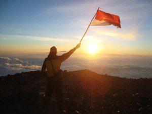 Paket Tour Pendakian Puncak Gunung Semeru Mahameru - Trekking Semeru Tour