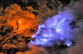Wisata Kawah Ijen Blue Fire