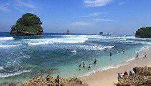 Paket Wisata Malang (Pantai Sendang Biru - Goa Cina) Batu Bromo Tour 3 Hari 2 Malam